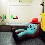 Inside Japanese Love Hotels bath