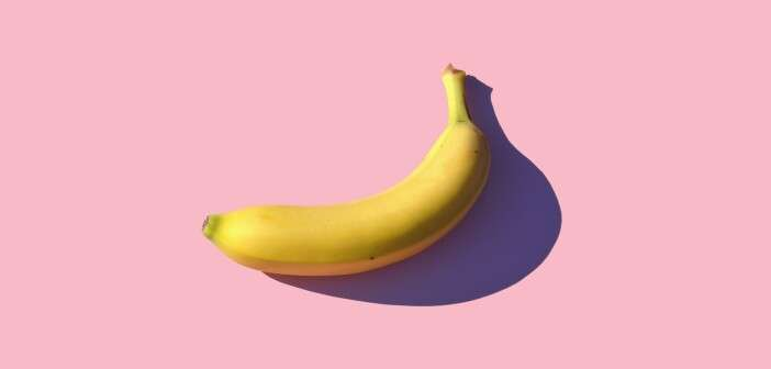 banana in pink background